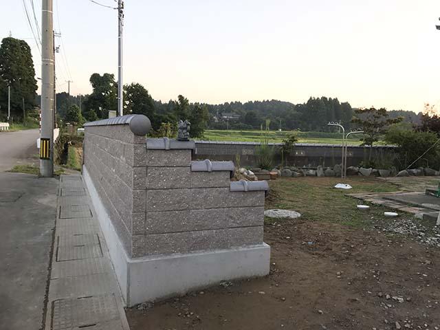 外構ブロック積み_100%自社施工の瓦外壁リフォーム工事ならさなだ瓦店_石川県津幡町